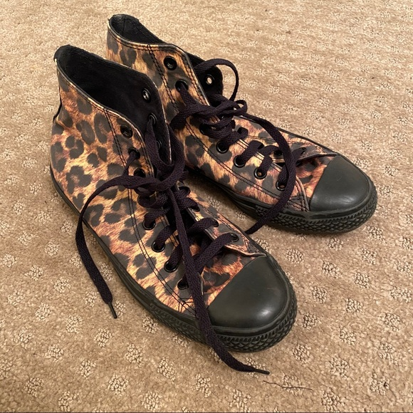 Converse Shoes - Leopard converse shoes sneakers marked a size 7